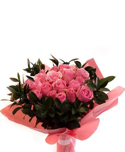 Снимка от Букет от рози  - Чаровна усмивка