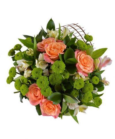 Снимка от Букет рози и хризантеми - Нежна прегръдка
