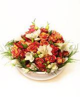 Снимка от Ваза с мини рози и фрезии - Величествена