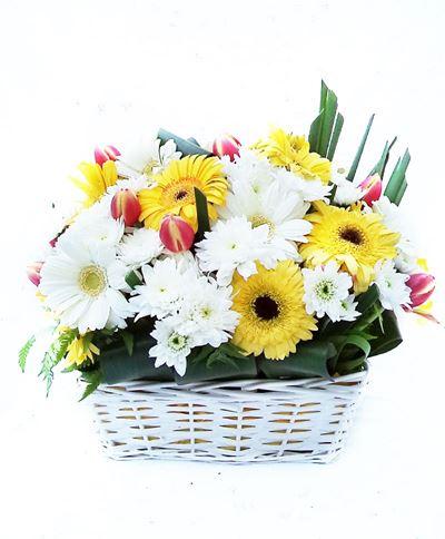Снимка от Кошница гербери и хризантеми Фиеста