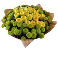 Снимка от Букет с рози и хризантеми Свеж полъх