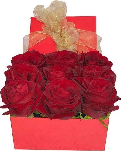 Снимка от Кутия с рози Обожание - 9 рози