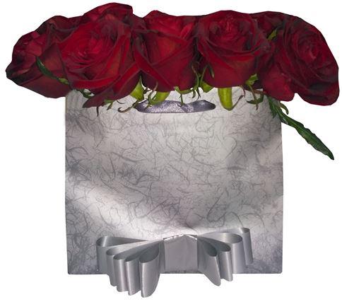 Снимка от Кутия с рози Очарование - 15 рози